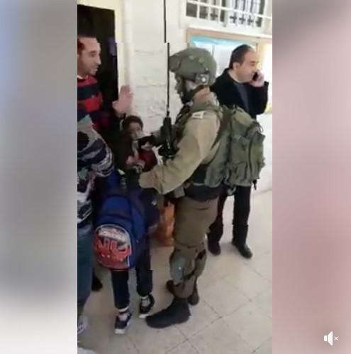 Arrestation d'un enfant de dix ans dans une école de Hébron